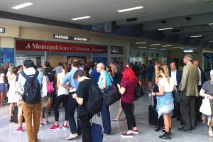 Aeroporto d'Abruzzo Liberi Pescara Coda fila Abruzzo Notizie (7)