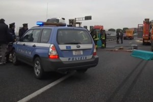 Asse attrezzato incidente polizia