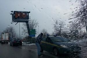 Autostrada a24 a25 chiusa maltempo vento forte raffiche Abruzzo Notizie