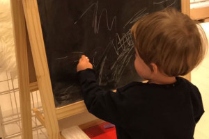 Bambino gioca scuola asilo nido infanzia Abruzzo Notizie (2)