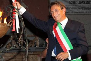 Cialente vince sindaci italia Renzi