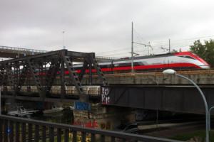 Frecciarossa treno Fs alta velocità stazione binari Abruzzo Notizie