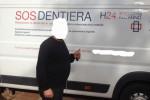 Falso dentista in giro con un furgone
