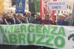 Protesta roma emergenza Abruzzo maltempo terremoto cratere