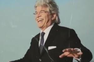 Razzi famme cantà canzone senatore Abruzzo