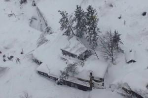 Rigopiano Hotel sommerso neve farindola