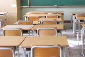 scuola-banchi-classe-vuoti-studenti-aula