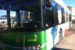 Molesta una ragazzina su un autobus