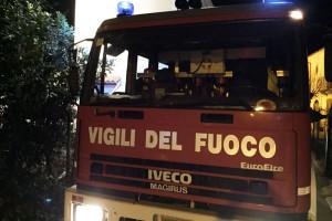 Vigili del Fuoco pompieri 115 incendio notte fuoco Abruzzo Notizie (1)