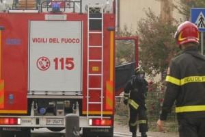Vigili del fuoco 115 incendio pompieri