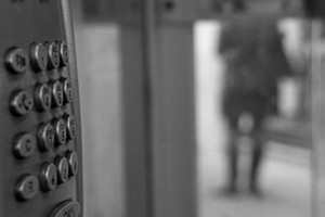 allarme bomba telefonata anonima