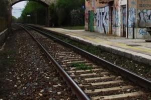 binario stazione treni ferrovia