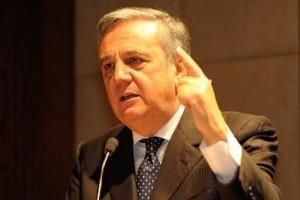 ministro del Lavoro Maurizio Sacconi