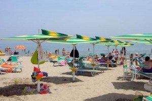 ombrellone pescara montesilvano spiaggia