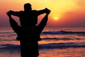 papà abbraccia figlio Sulmona polizia penitenziaria