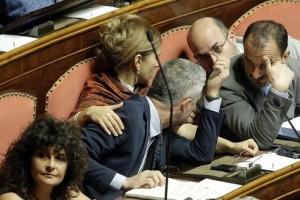 parlamento fermo mediaset