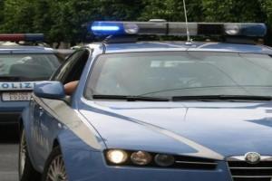 polizia speronata inseguomento