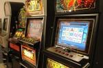 Slot machine prese di mira, tre colpi andati a vuoto