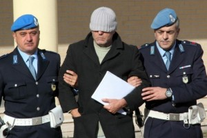 specchio carcere resta L'Aquila Provincia direttore dirigente