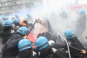 studenti feriti corteo Milano Fornero