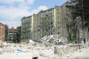 via xx settembre l'aquila  crollo terremoto