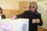 voto grillo elezioni matita